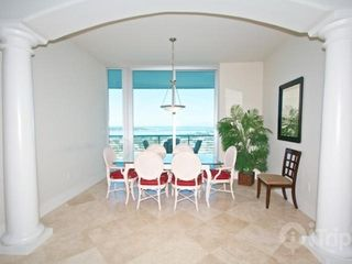 Orange Beach condo photo - Dining area with table that seats 6