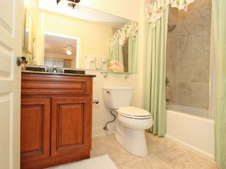 Isle of Palms condo photo - The Queen's bathroom