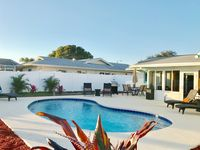 Sunshine Retreat with heated pool!!   Minutes to beautiful gulf beaches and IMG