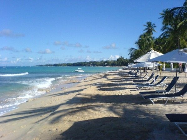 Barbados beach apartment with 5* guest reviews and price match promise