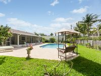 Downtown Delray-1/2 mile to Beach