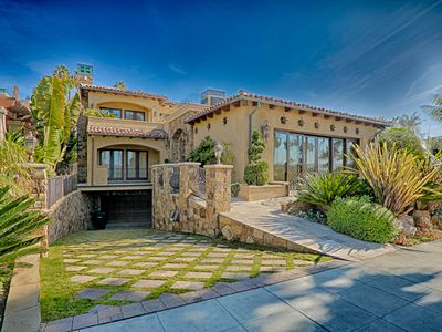 Stunning private home in La Jolla shores is just steps to the sand.