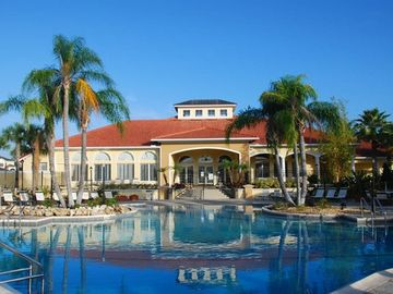 Terra Verde ClubHouse: great spa, Jaccuzzi, game room, tiki bar, THE BEST!