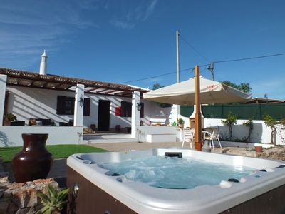Typical and charming cottage, 2 bedrooms, jacuzzi, relaxing holiday