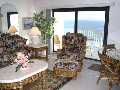 Pat's Place #703 Living Room with Direct Ocean View thru double glass doors