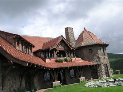 The famous Castle In The Clouds Is Nearby to visit, hiking, & horseback riding.