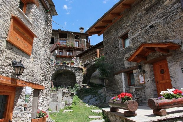 Self catering Alpes d´OC Morinesio for 14 people