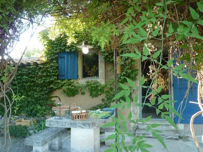 Charming cottage with common pool in the heart of the Luberon