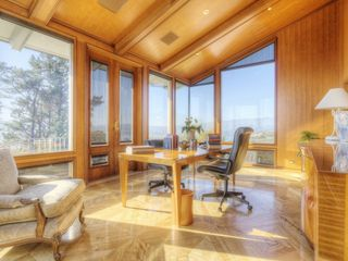 Australian woodwork covers entire executive office. - Tiburon house vacation rental photo