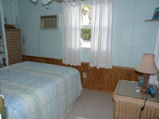 Little Torch Key mobile home photo - Guest bedroom