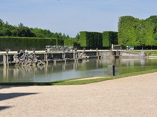 Versailles apartment photo - Lac de Neptune! one many beautiful lacs at the chateau gardens