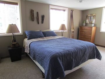 One of two spacious bedrooms -Queen Bed