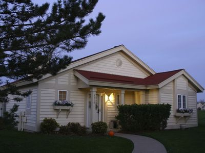 Our quaint luxurious cottage is waiting for your arrival!!