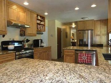 Dollar Point house rental - Kitchen with granite counters, gourmet appliances