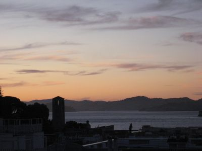 San Francisco apartment rental - Sunset from our windows