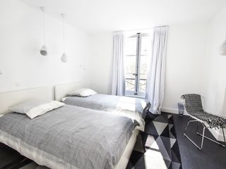 4th Arrondissement Pompidou Le Marais apartment photo - chanoinesse apartment - second bedroom view