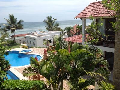 Beachfront, large Pool, lap pool, & Jacuzzi, Barbecue  area, Spectacular Gardens