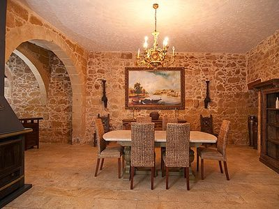 Xaghra farmhouse rental - Dining Room