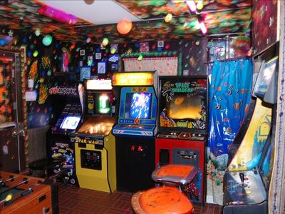 35 Arcade Classics, Space Invaders,Pac Man, ,,Galaga,Donkey Kong and many more.