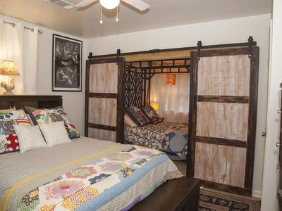 Big Mama's #3 WHOLE HOUSE: 3 PRIVATE Bedrooms, 3-car parking, 3 smart TVs