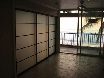 KBK 305 Greatroom Glass Shoji screen panels into MBR before furniture placement.