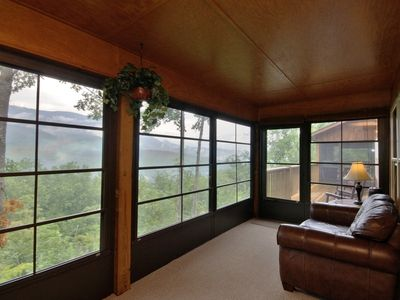 Sunroom, MBR Suite, Views of The Great Smoky Mountains National Park, Tennessee