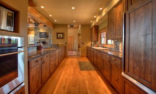 Big Sky house photo - Spacious equipped kitchen
