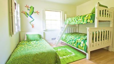 Green Bedroom: twin bed, bunk w/ dbl & a twin. 800 ct. sheets & down comforters.