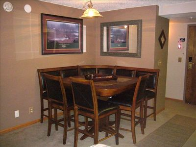 Full service kitchen with dining room - seats 8