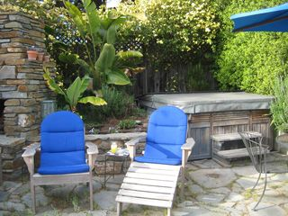 Santa Cruz apartment photo - Enjoy the outdoor jacuzzi or just relax in the sun!
