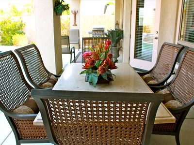 Outdoor dining for 6, plus additional chairs