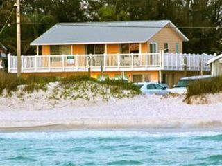 Anna Maria villa rental - 2 Beach showers with foot washes are provided for Salty Living tenants