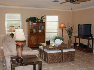 Entertainment Rm-42'HDTV,DVD,& WIRELESS internet!
