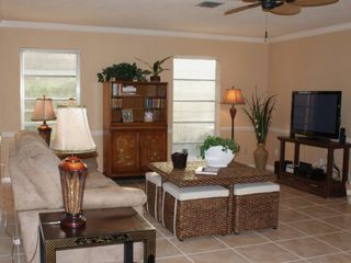 Vacation Homes in Marco Island house photo - Entertainment Rm-42'HDTV,DVD,& WIRELESS internet!