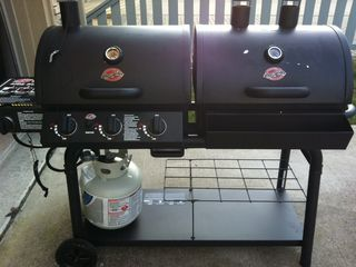 Gold Coast condo photo - Grill- gas and charcoal
