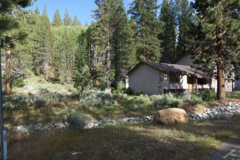 Family friendly south shore tahoe golf vrbo for South lake tahoe cabins near casinos