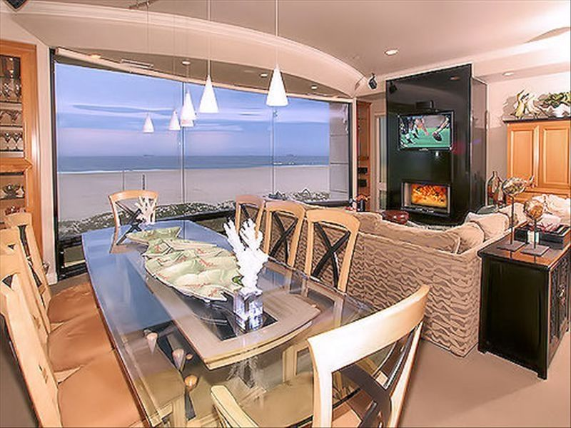 Beachfront 5 bedroom southern california homeaway for Cabin rentals in southern california