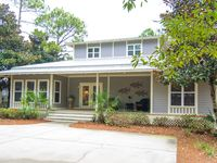 Prestwick Place Delightful Lakefront 3BR/3BA Cottage surrounded by Florida pines