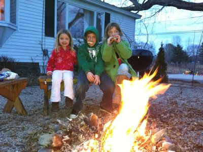 Cape Porpoise house rental - A fire pit and s'mores end a perfect day!