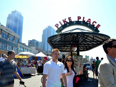 Seattle apartment rental - Pike Place Market is a must see