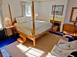 Edgartown house photo - Bedroom #1 - King Suite With 4 Poster Bed, Full Bath With Tub/Shower. First Floor