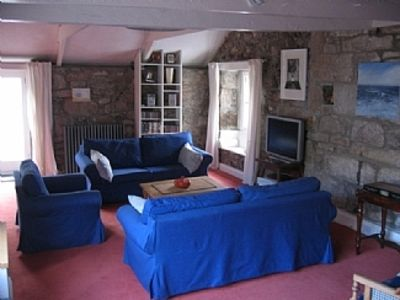 Stunning Interior Designed Cottage Close To 3 Beaches With Free WiFi