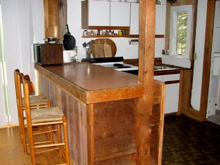 Chilmark cottage photo - Kitchen & Breakfast Counter