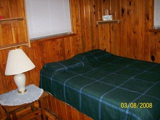 Steinhatchee cabin photo - Bedroom #1 - Double Bed