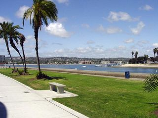 Mission Beach condo photo - The bay is just steps away