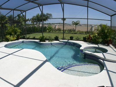 Stunning extended oversized pool with Jaccuzzi