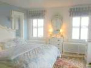 Branford house photo - MBR King /R Lauren blue/white fabrics w/ Heriz rug/Venetian mirror/Ocean views