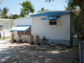 Tavernier mobile home photo - Front of Bungalow from Street
