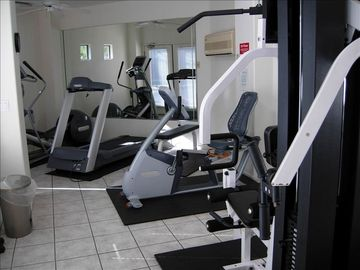 fitness room with air conditioning, 3 minutes walking distance