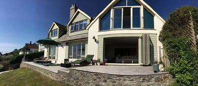 Enjoy Stunning Sea Views From A Detached Contemporary Coastal Holiday Home